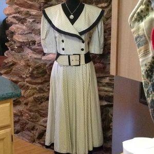 Dresses & Skirts - Vintage striped dress